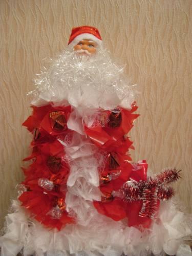 Подарки своими руками. Дед Мороз из конфет. Мастер-класс с пошаговыми фото