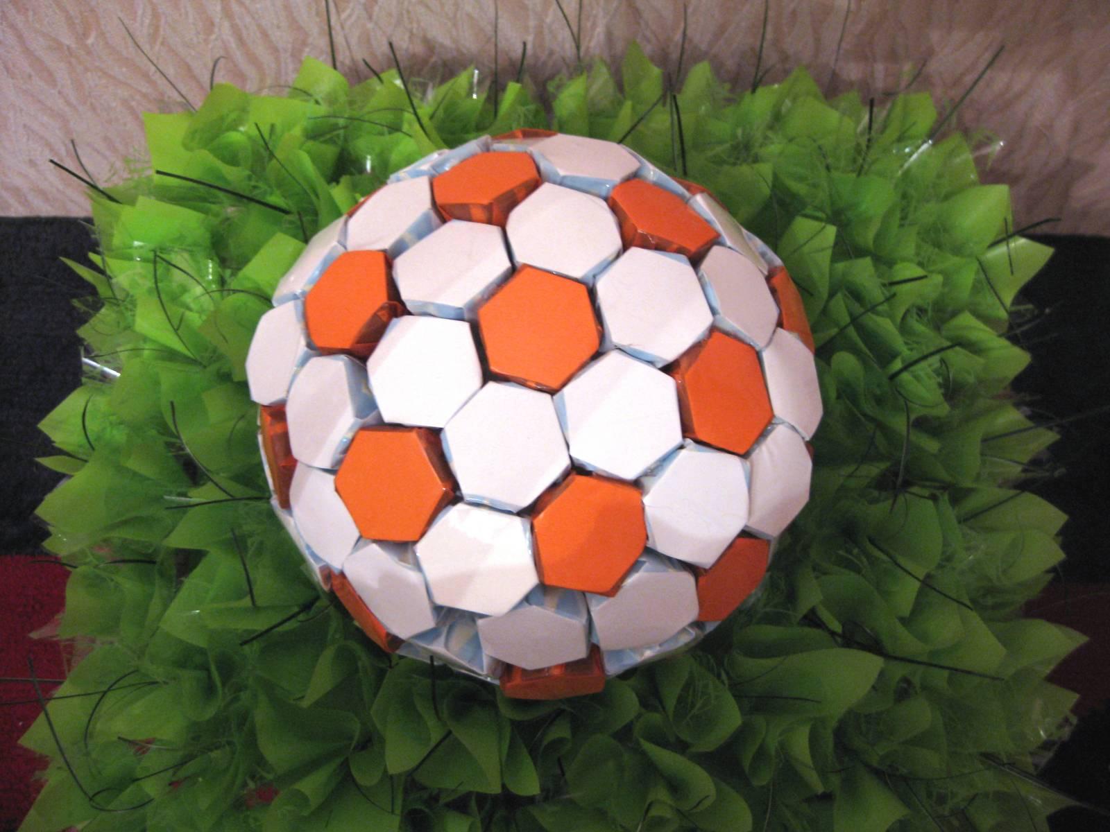 Поделки из бумаги футбольное